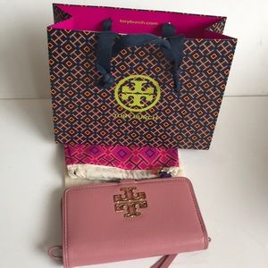 Tory Burch Pebble Pink Wrislet with dust bag